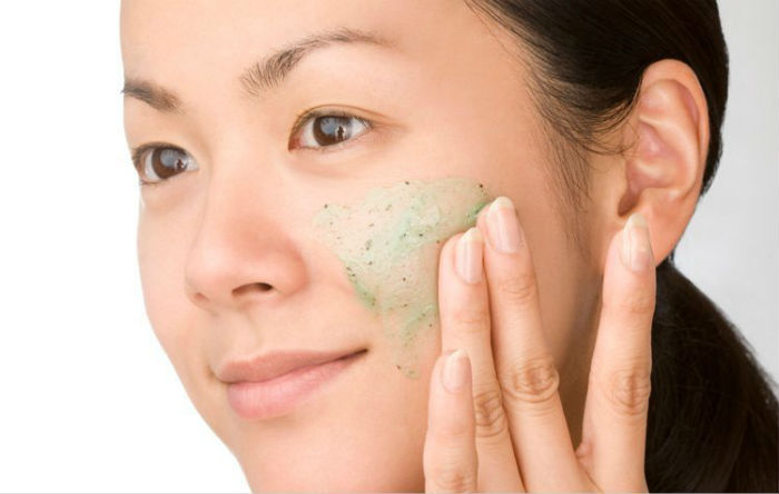 Best Face Scrub For Oily Skin